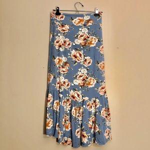 NWOT Agnes & Dora Midi Ruffle Floral Stretch Skirt